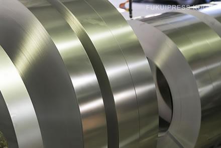 福井プレス工業は様々な材料に対応